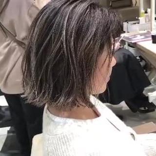 3Dハイライト 切りっぱなしボブ ショートヘア コントラストハイライト ヘアスタイルや髪型の写真・画像