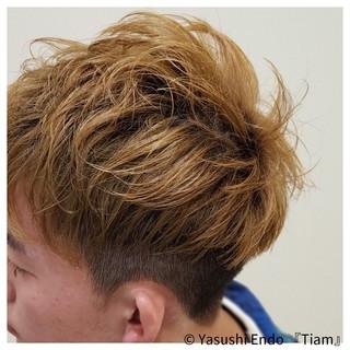 メンズ イルミナカラー ツーブロック メンズヘア ヘアスタイルや髪型の写真・画像