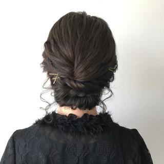 ヘアピン 簡単ヘアアレンジ シニヨン 大人女子 ヘアスタイルや髪型の写真・画像 ヘアスタイルや髪型の写真・画像