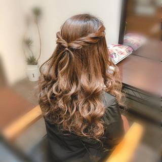 ハーフアップ ヘアセット フェミニン 結婚式 ヘアスタイルや髪型の写真・画像