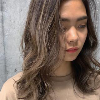 コントラストハイライト 極細ハイライト ガーリー 大人ハイライト ヘアスタイルや髪型の写真・画像