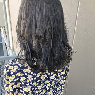 グレージュ ナチュラル デート ミディアム ヘアスタイルや髪型の写真・画像 ヘアスタイルや髪型の写真・画像