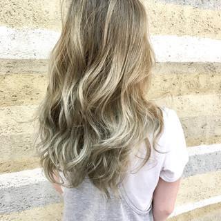 アンニュイ 外国人風 グラデーションカラー ロング ヘアスタイルや髪型の写真・画像