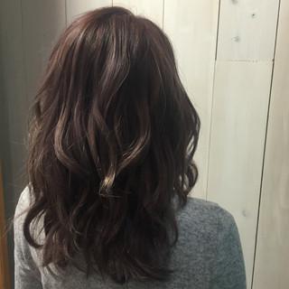 セミロング ラベンダーピンク 外国人風カラー ミディアム ヘアスタイルや髪型の写真・画像