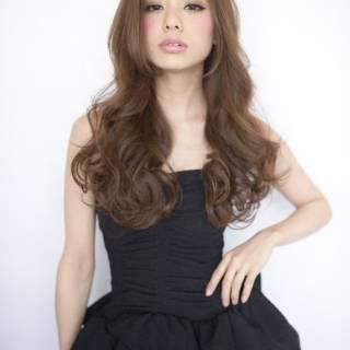 ウェーブ フェミニン ナチュラル モード ヘアスタイルや髪型の写真・画像 ヘアスタイルや髪型の写真・画像