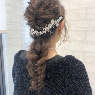 アンニュイほつれヘア ヘアアレンジ ナチュラル フィッシュボーン ヘアスタイルや髪型の写真・画像