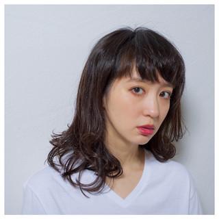 ミディアム レイヤーカット 前髪あり ストリート ヘアスタイルや髪型の写真・画像