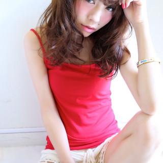 アッシュ フェミニン 大人かわいい 外国人風 ヘアスタイルや髪型の写真・画像