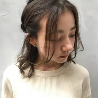 フェミニン ミディアム ルーズ デート ヘアスタイルや髪型の写真・画像 ヘアスタイルや髪型の写真・画像