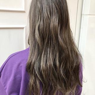 フェミニン デート エフォートレス ロング ヘアスタイルや髪型の写真・画像