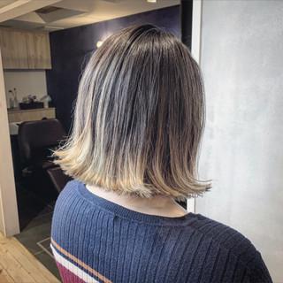 切りっぱなしボブ グラデーション アッシュグレージュ ボブ ヘアスタイルや髪型の写真・画像