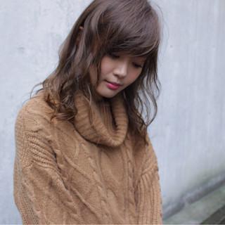 冬 ゆるふわ ガーリー アッシュ ヘアスタイルや髪型の写真・画像