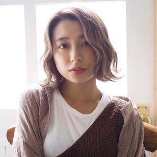 ショートヘア フェミニン ショートボブ ミディアム ヘアスタイルや髪型の写真・画像