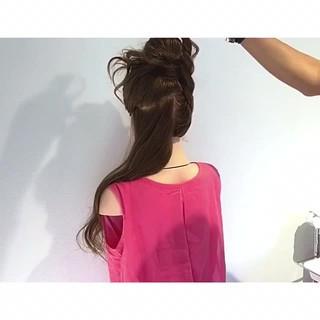 お団子 ヘアアレンジ ロング フェミニン ヘアスタイルや髪型の写真・画像 ヘアスタイルや髪型の写真・画像