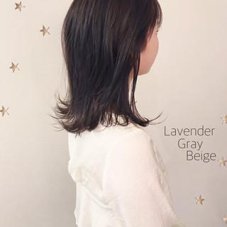 ストリート セミロング ダブルカラー ラベンダーグレージュ ヘアスタイルや髪型の写真・画像