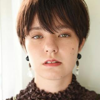 透明感 前髪あり 秋 外国人風 ヘアスタイルや髪型の写真・画像 ヘアスタイルや髪型の写真・画像
