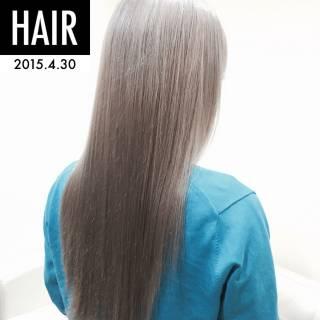 ロング 外国人風カラー ブリーチ スモーキーアッシュ ヘアスタイルや髪型の写真・画像