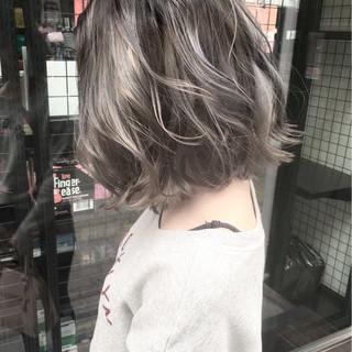 ウェーブ アッシュ ストリート ボブ ヘアスタイルや髪型の写真・画像