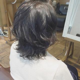 大人かわいい パーマ レイヤーカット ナチュラル ヘアスタイルや髪型の写真・画像