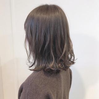 大人カジュアル 透け感ヘア 切りっぱなしボブ ナチュラル ヘアスタイルや髪型の写真・画像