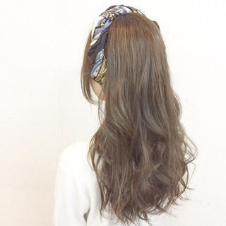 ゆるふわ セミロング ヘアアレンジ 二次会 ヘアスタイルや髪型の写真・画像