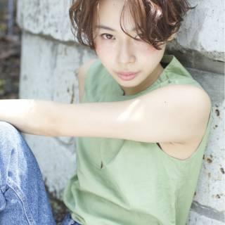 スモーキーアッシュ モテ髪 ショート ナチュラル ヘアスタイルや髪型の写真・画像