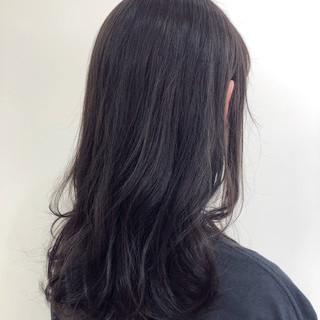 セミロング 透明感カラー ナチュラル コテ巻き ヘアスタイルや髪型の写真・画像