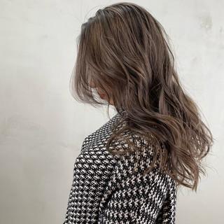 ナチュラル バレイヤージュ ブリーチ必須 外国人風 ヘアスタイルや髪型の写真・画像