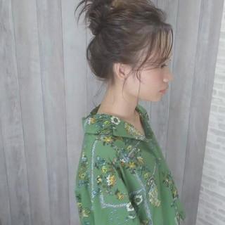 かき上げ前髪 アウトドア セミロング ガーリー ヘアスタイルや髪型の写真・画像