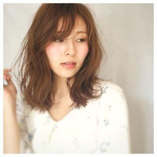 デート ウェーブ 女子会 ミディアム ヘアスタイルや髪型の写真・画像