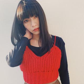ミディアムレイヤー ミディアム モード 前髪あり ヘアスタイルや髪型の写真・画像