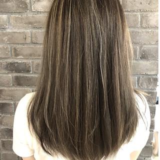 ミディアム デート 簡単ヘアアレンジ グレージュ ヘアスタイルや髪型の写真・画像