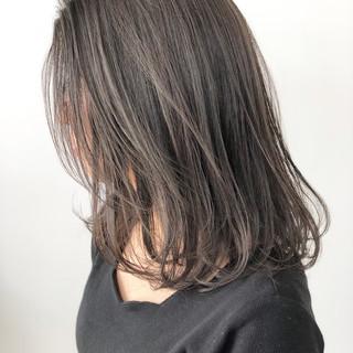 ミディアム ナチュラル ヘアアレンジ アッシュベージュ ヘアスタイルや髪型の写真・画像
