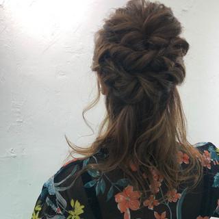 簡単ヘアアレンジ パーティ セミロング デート ヘアスタイルや髪型の写真・画像