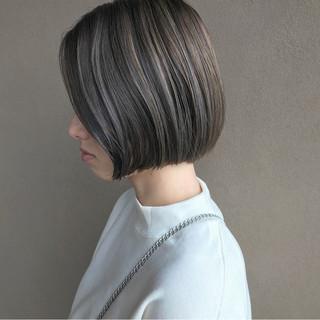 ショートボブ ハイライト ショート ナチュラル ヘアスタイルや髪型の写真・画像