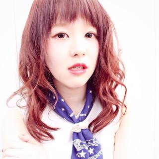 ピンク ピュア グラデーションカラー レッド ヘアスタイルや髪型の写真・画像