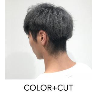 グレー ブリーチオンカラー ナチュラル ホワイトグレージュ ヘアスタイルや髪型の写真・画像 ヘアスタイルや髪型の写真・画像