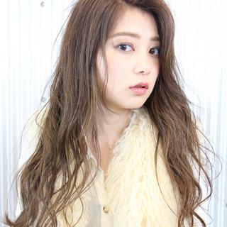 oggiotto ナチュラル 大人カジュアル 透明感カラー ヘアスタイルや髪型の写真・画像