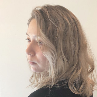 ハイライト ナチュラル バレイヤージュ ピンク ヘアスタイルや髪型の写真・画像