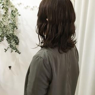 ナチュラル 波ウェーブ ミディアム 外ハネ ヘアスタイルや髪型の写真・画像