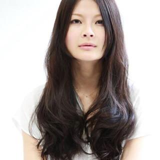 大人かわいい パーマ ナチュラル ロング ヘアスタイルや髪型の写真・画像