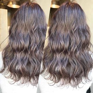 アンニュイ アッシュグレー ゆるふわ デート ヘアスタイルや髪型の写真・画像 ヘアスタイルや髪型の写真・画像