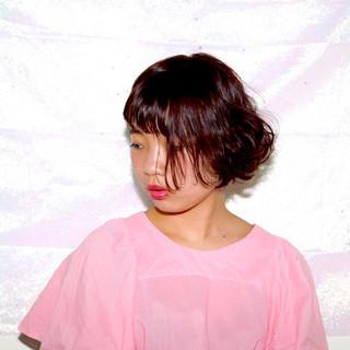 レッド ショートボブ ボブ パーマ ヘアスタイルや髪型の写真・画像