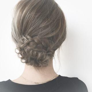 フィッシュボーン ショート 外国人風 編み込み ヘアスタイルや髪型の写真・画像 ヘアスタイルや髪型の写真・画像