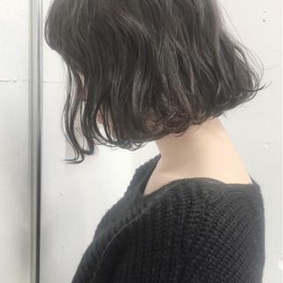 パーマ ニュアンス 外国人風 ナチュラル ヘアスタイルや髪型の写真・画像