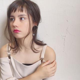 ミディアム ハイライト ヘアアレンジ デート ヘアスタイルや髪型の写真・画像