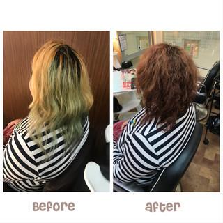 アプリコットオレンジ パーマ ブリーチオンカラー ミディアム ヘアスタイルや髪型の写真・画像