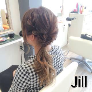 ストリート ヘアアレンジ ローポニーテール ロープ編み ヘアスタイルや髪型の写真・画像