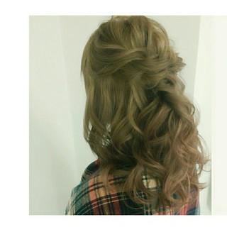 ゆるふわ ハーフアップ ツイスト ミディアム ヘアスタイルや髪型の写真・画像 ヘアスタイルや髪型の写真・画像