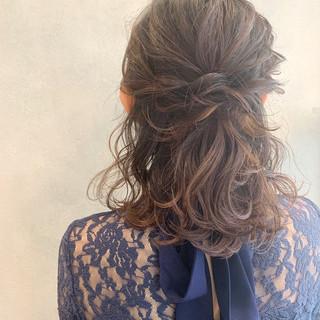 ガーリー ヘアアレンジ ふわふわヘアアレンジ ハーフアップ ヘアスタイルや髪型の写真・画像